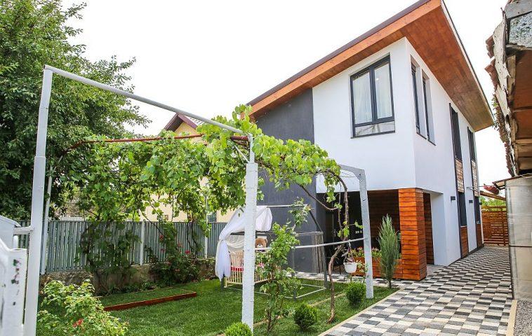 Casa familiei Popa după renovarea făcută de către echipa Visuri la cheie.