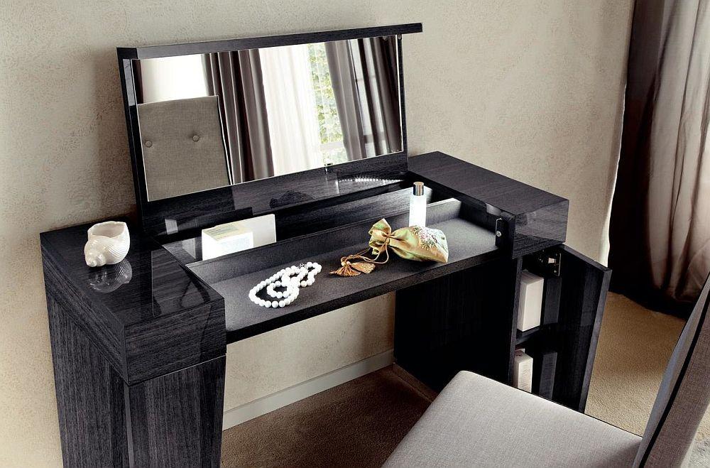Masă de toaletă colecția Monte Carlo. Vezi materiale, dimensiuni, preț AICI.