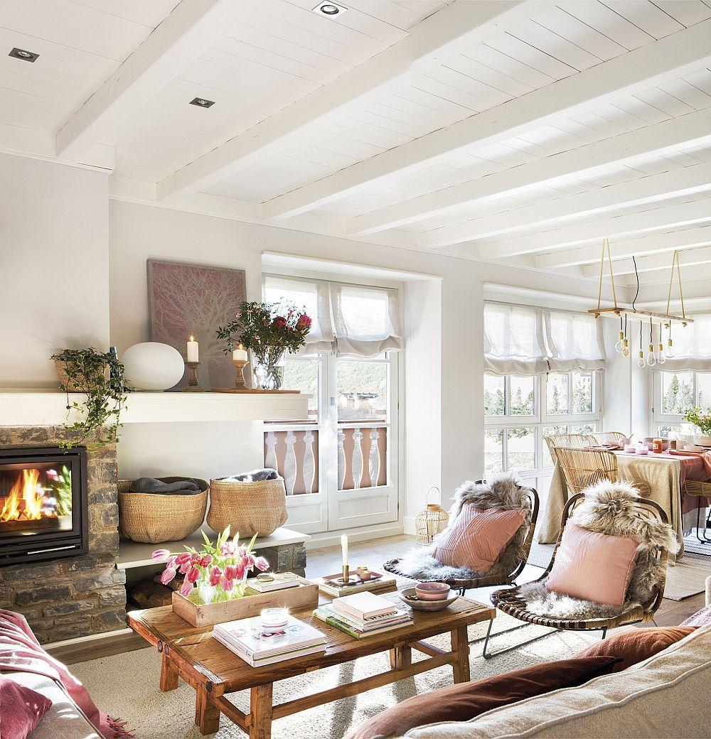 Zona de bucătărie, sufragerie comunică mai departe cu cea a livingului. Practic este un singur spațiu deschis în care coexistă funcțiunile. Finisajele sunt aceleași peste tot, ca atare tonurile de roz pudrat de la nivelul decorațiunilor sunt continuate și aici. Pentru senația de prospețime, florile, plantele sunt prezente în ambient.