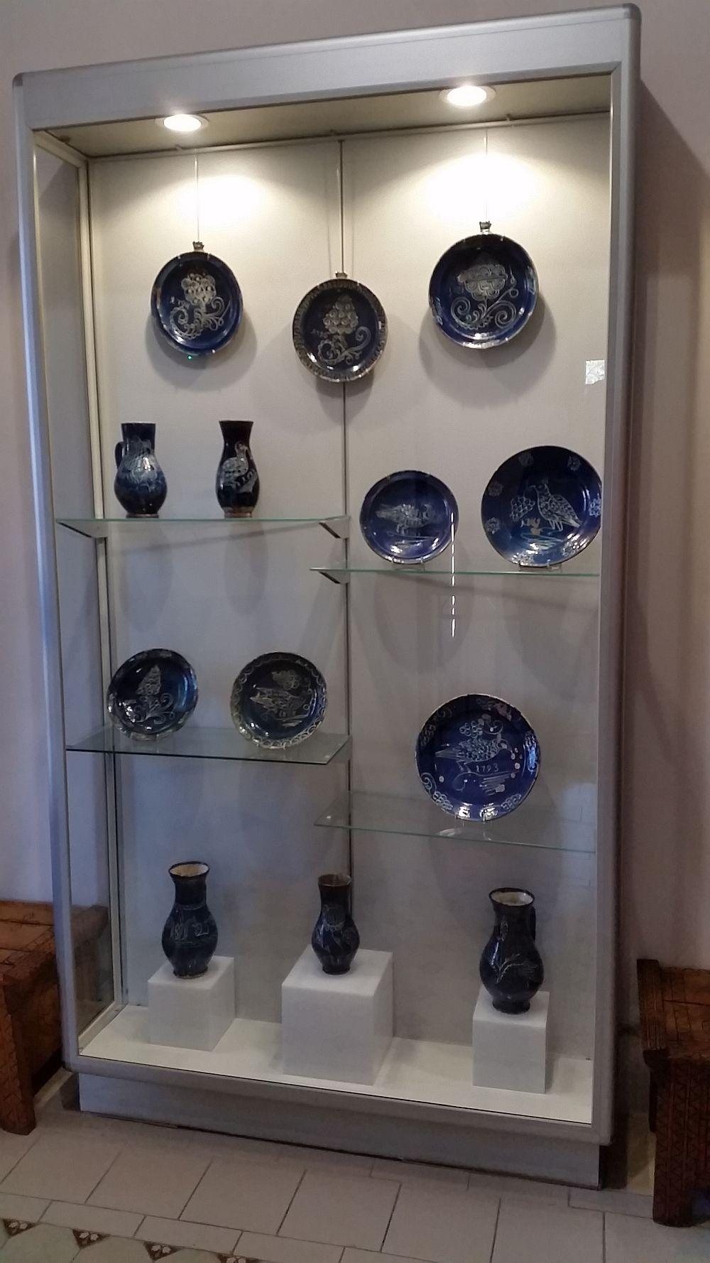 Colecție de ceramică veche de la Saschiz, județul Mureș.