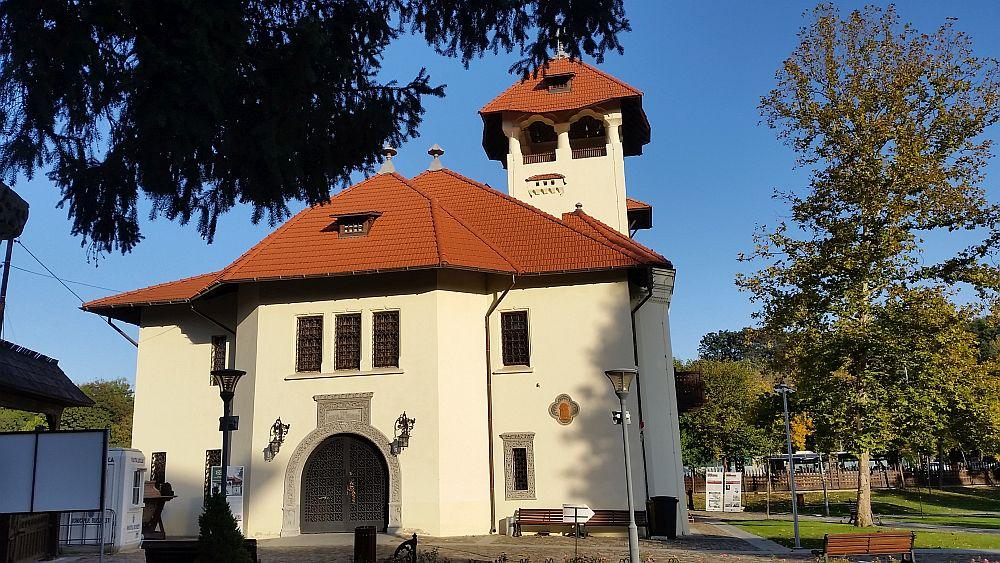 adelaparvu.com despre Vila Minovici, arhitectura in stil popular romanesc (45)