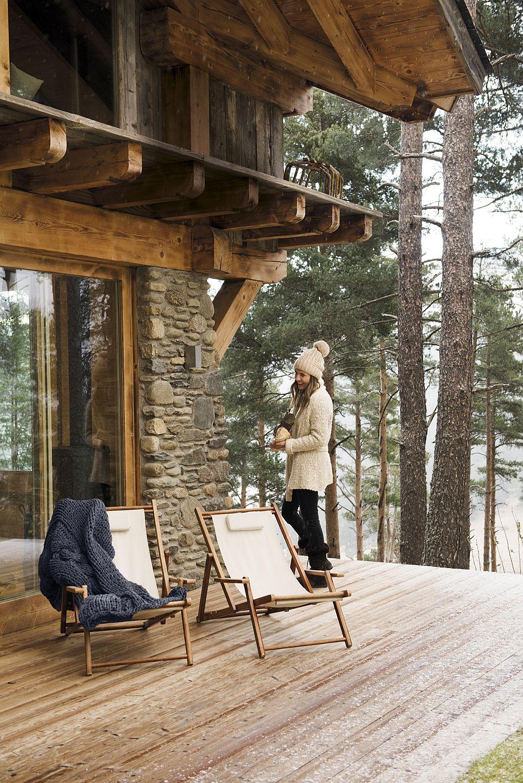 adelaparvu.com despre casa de vacanta din lemn si piatra, La Molina, Foto Stella Rotger (4)