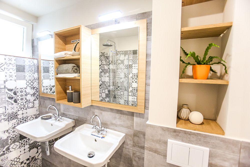 Ciprian a prevăzut ca baia familiei să aibă zonă de duș, iar în locul unui lavoare să existe două pentru ca diminețile familiei să fie mai puțin aglomerate.