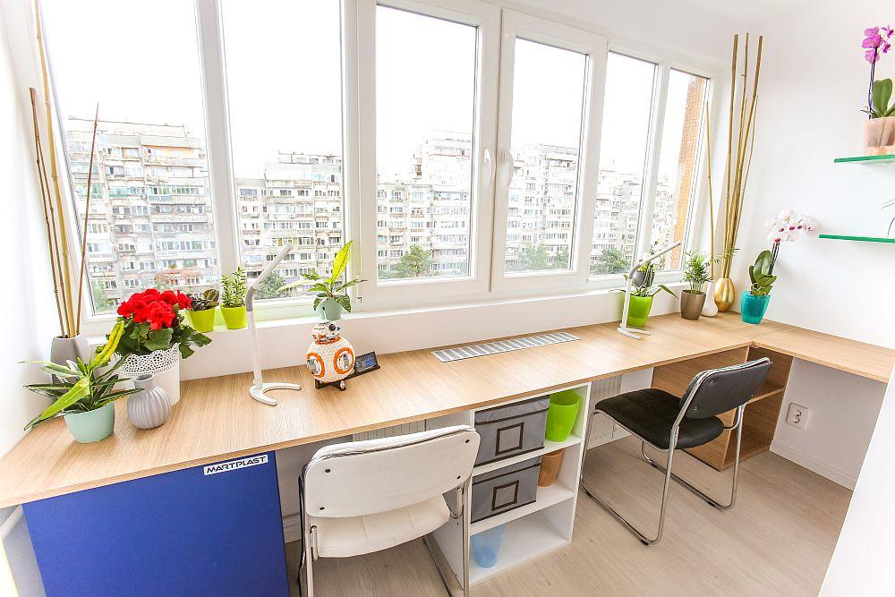 În fața ferestrelor Ciprian a prevăzut locurile de birou pentru a benefica de lumină naturală din plin. Tâmplăria este asigurată de sponsorul Gealan. Mobila este realizată pe comandă la Martplast, scaunele și decorațiunile sunt de la Dedeman.