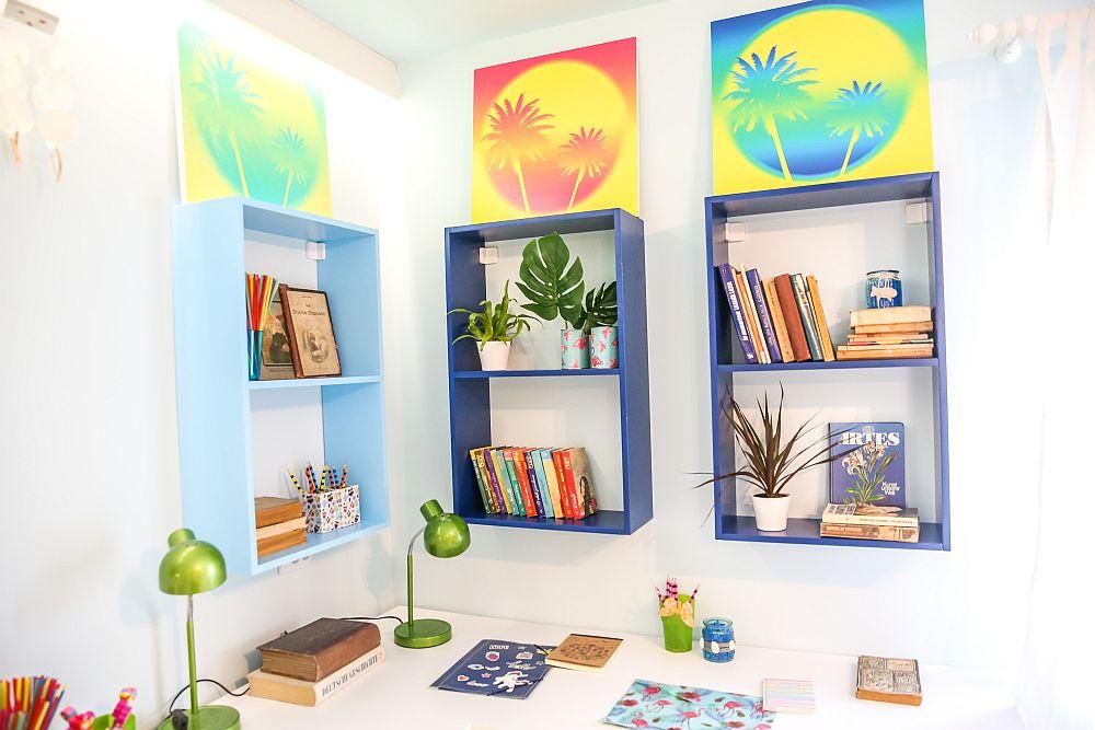 Deasupra birourilor am prevăzut etajere, iar deasupra lor tablouri cu tema exotică dorită de către fete. Tablourile sunt imprimate pe plăci de PAL realizate la Martplast.
