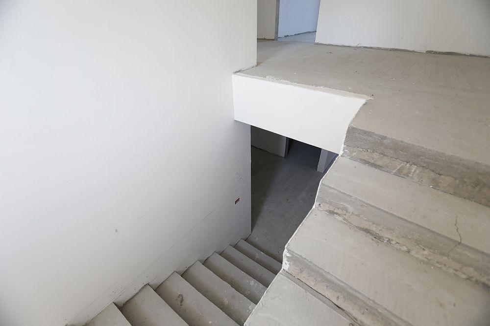 Zona de scară înainte de renovare.