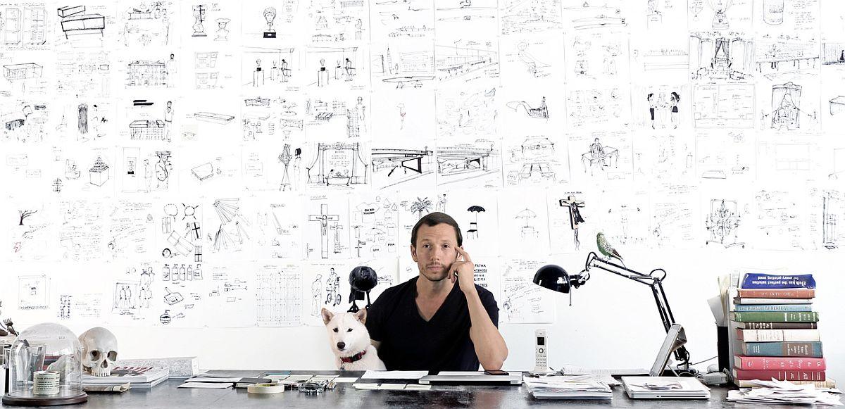 Designerul, artistul și activistul Sebastian ErraZuriz. Află mai multe despre el AICI.