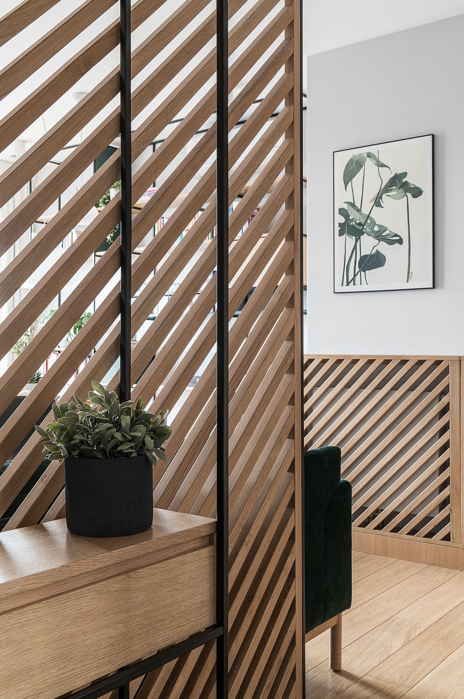 Liniile oblice folosite pentru panouri și măști de calorifer dau senzația că structurile sunt mai late. De asemenea, ele sunt concepute pentru a nu obtura complet, ci a lăsa lumina și aerul să circule.
