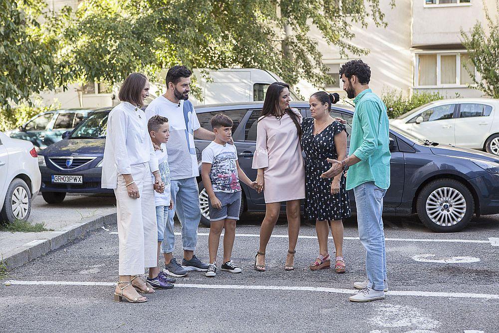 Echipa Visuri la cheie alături de Valentina și băieții lor Rafael și Orlando.