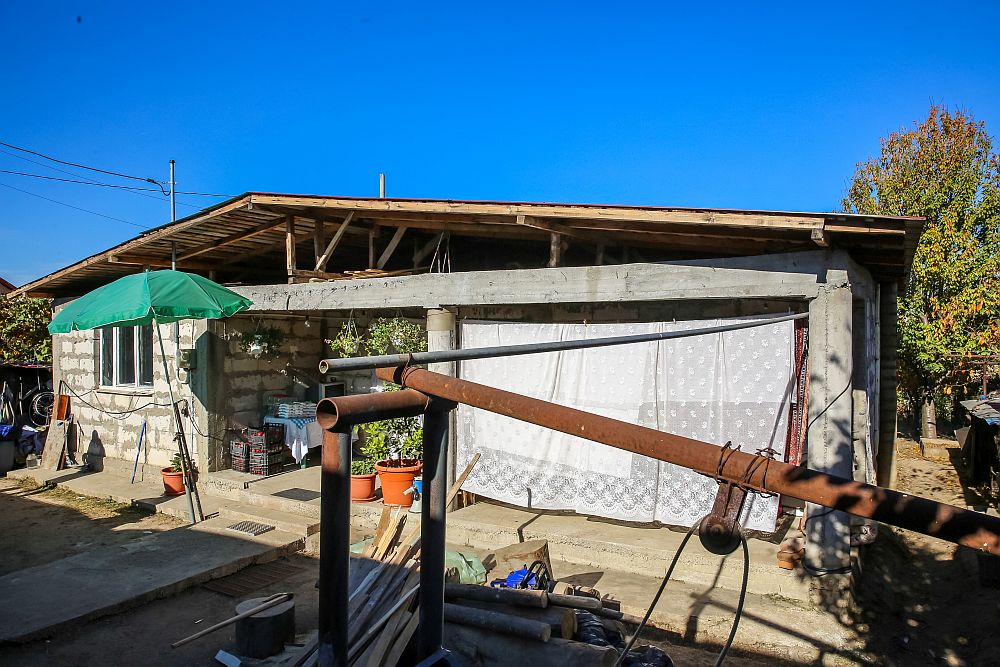 Casa înainte de renovarea făcută de echipa Visuri la cheie.