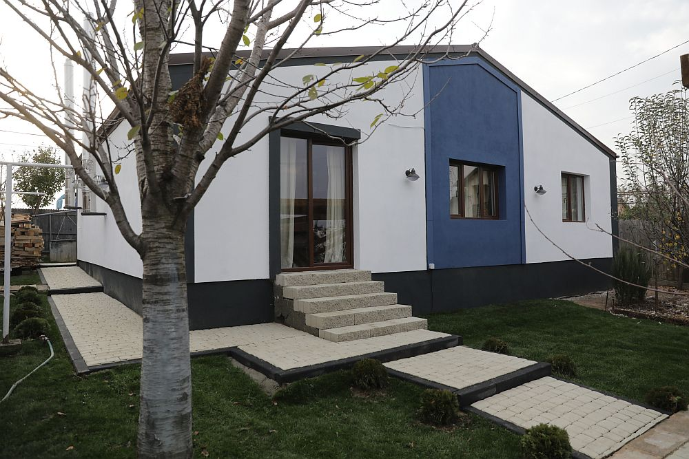 Casa DUPĂ renovarea făcută de echipa Visuri la cheie. Fațada din spate.