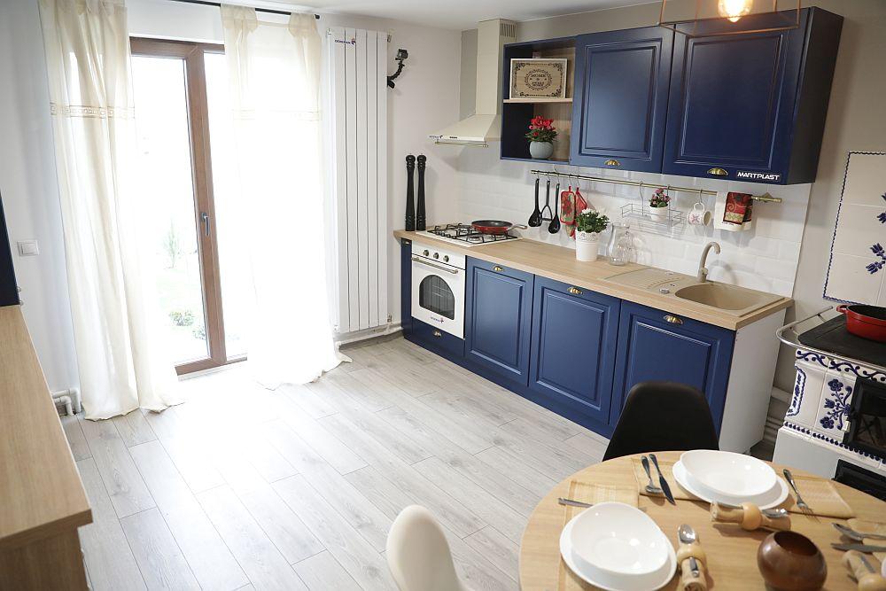 Bucătăria DUPĂ renovarea făcută de către echipa Visuri la cheie.