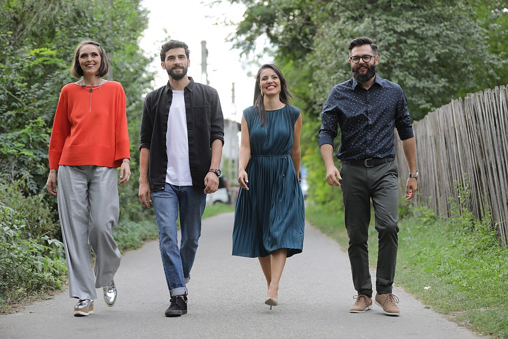 Echipa Visuri la cheie de la drepata la stânga: Valentin Ionașcu, Cristina Joia, Corneliu Ulici - prezentatorul emisiunii, Adela Pârvu