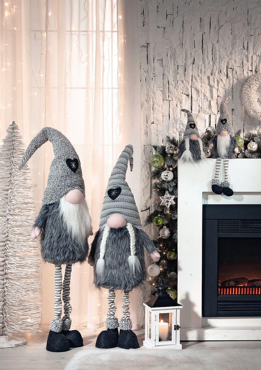 Brăduți argintii sau albi, dar și multe alte decorațiuni de Crăciun vezi AICI.