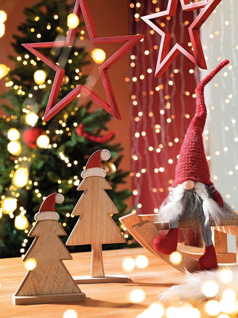 Vezi mai multe decorațiuni de Crăciun AICI