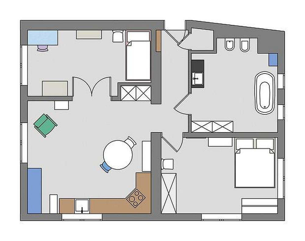 Locuința situată la ultimul etaj măsoară circa 64 mp. Compartimentarea ei a fost în cea mai mare parte păstrată, dar funcțiunile schimbate. În loc de living s-a amenajat bucătăria, iar în locul fostei bucătării este acum birou și cameră de oaspeți. Între aceste două camere a fost montată o ușă dublă pentru a amplifica senzația de interior rustic.