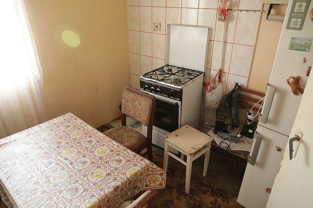 Bucătăria ÎNAINTE de renovarea făcută de echipa Visuri la cheie.