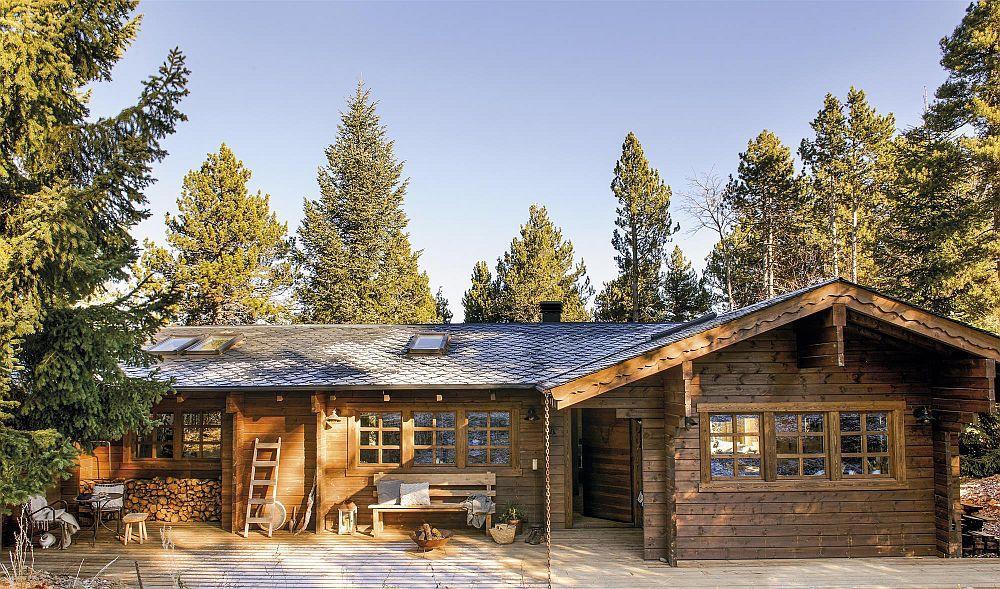 Cabana situată în apropiere de stațiunea La mOlina din Pirinei, este construită pe un singur nivel și este realizată în stil tradițional local.