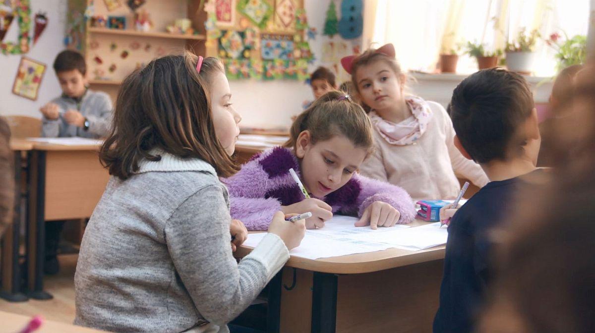 Clienți din toată țara s-au implicat în dezvoltarea programului, prin donații realizate la casa de marcat, în toată rețeaua de magazine Flanco. Capitala se află pe primul loc în topul orașelor care au contribuit la susținerea centrelor after-school, urmată de orașele Pitești, Ploiești, Râmnicu Vâlcea, Caracal, Craiova, Slatina, Oradea, Constanța și Târgu Mureș.
