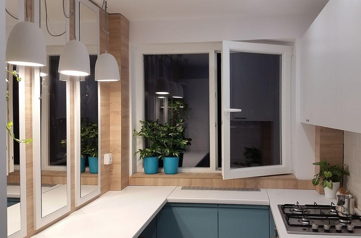 În bucătăriile mici blatul din fața ferestrei poate fi mai puțin adânc de circa 40 cm, dar necesar pentru a lega corpurile de mobilier și pentru a facilita o întreținere ușoară. Un calorifer expus în bucătărie, mai ales aproape de plită se poate murdări repede și urât, așa că mascarea lui rezolvă mai multe probleme.