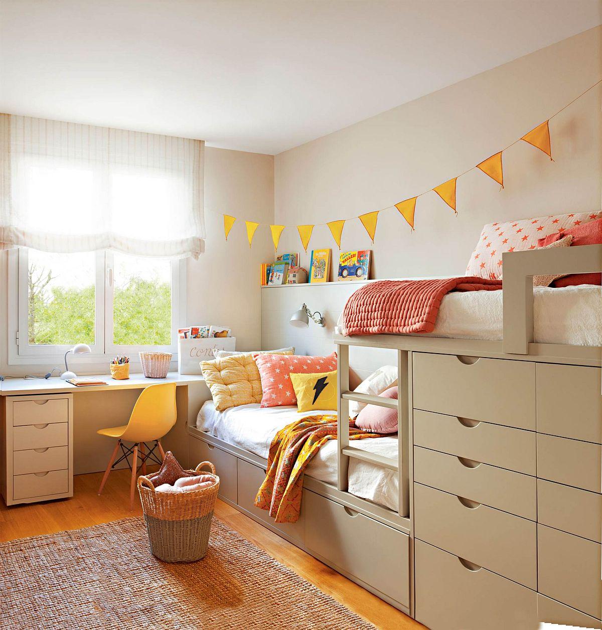 Într-o cameră unde înălțimea este normală, de circa 2,50-2,50 metri se pot face pe comandă paturi parțial etajate (doar unul dintre ele etajat).