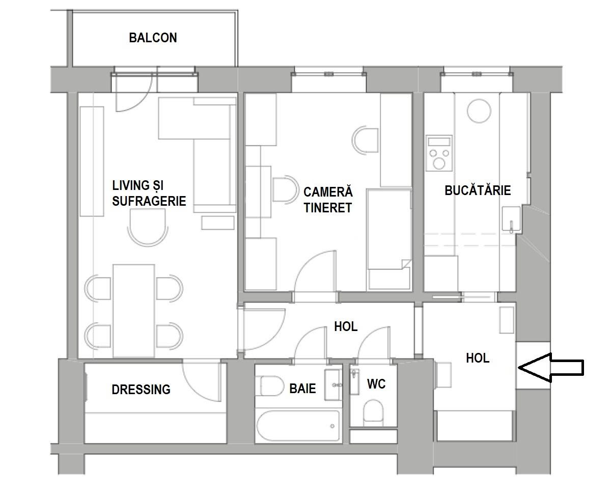 Inițial bucătăria era mai mică, locul de frigider fiind înainte practic pe hol. Designerul a prevăzut extinderea bucătăriei către hol pentru a îngloba locul de frigider în spațiul nou. De asemenea, camera de tineret a fost lărgită către hol, dar pereții refăcuți pentru ca în drepata și stânga ușii de intrare să existe suficient spațiu pentru amplasarea mobilierului necesar pentru doi copii. Cea mai spațioasă cameră a devenit living, sufragerie, dar este și dormitor pe timpul serii pentru părinți. În loc de dulapuri o parte din cameră a fost închisă pentru a fi configurat un dressing închis cu acces din zona locului de luat masa.