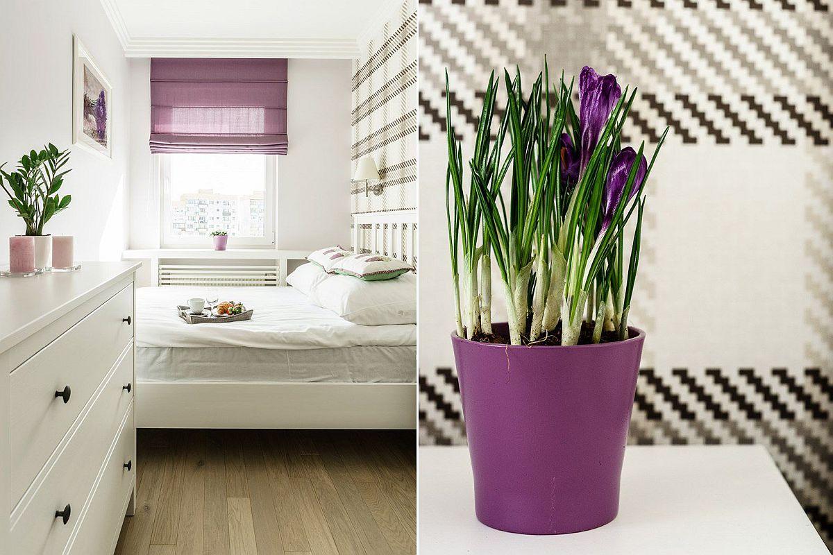 Inspirația pentru dormitor a pornit de la brândușe. Ca atare, chiar dacă tot amebientul este creionat în alb, o pată de culoare la nivelul roletei și pentru măștile de ghiveci colorează ambianța.