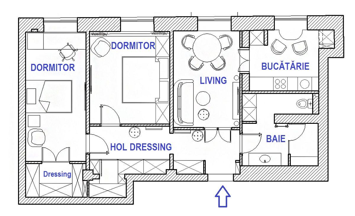 Apartamentul a fost păstrat în mare parte cu organizarea care exista inițial. Totuși, câteva modificări au fost făcute în privința compartimentării, respectiv baa a fost mărită către hol, ceea ce a dus la închiderea ușii bucătăriei din hol și configurarea unui acces în bucătărie din camera de zi. De asemenea, a doua baie a fost desființată pentru configurarea unui dressing pentru dormitorul fetelor. Holul a fost bine explotat pentru depozitare, iar livingul a fost împărțit între camera de zi și dormitorul părinților.