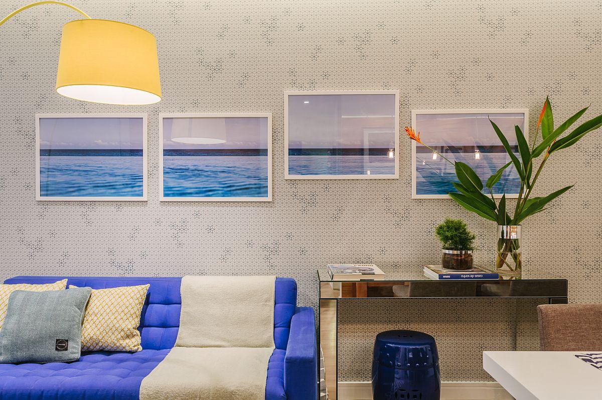 Un truc decorativ de efect cu tablouri în care linia orizontului este la același nivel, chiar dacă unul dinte tablouri este poziționat mai sus.
