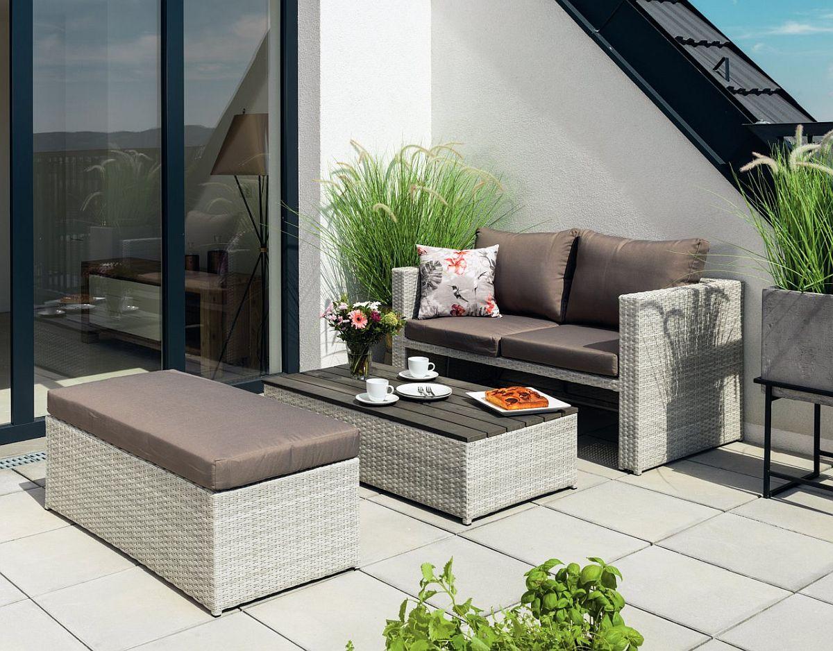 Set mobilă grădină Arne. Măsuță de cafea poate fi transformată într-una de masă de sufragerie. Vezi detalii dimensiuni, materiale, preț AICI.