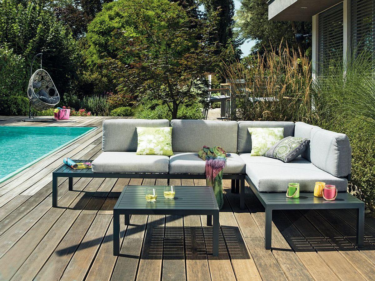Set lounge grădină Benni. Include trei piese - bancă cu laterală stânga, bancă cu laterală dreapta și măsuță. Vezi dimensiuni, materiale, preț AICI.