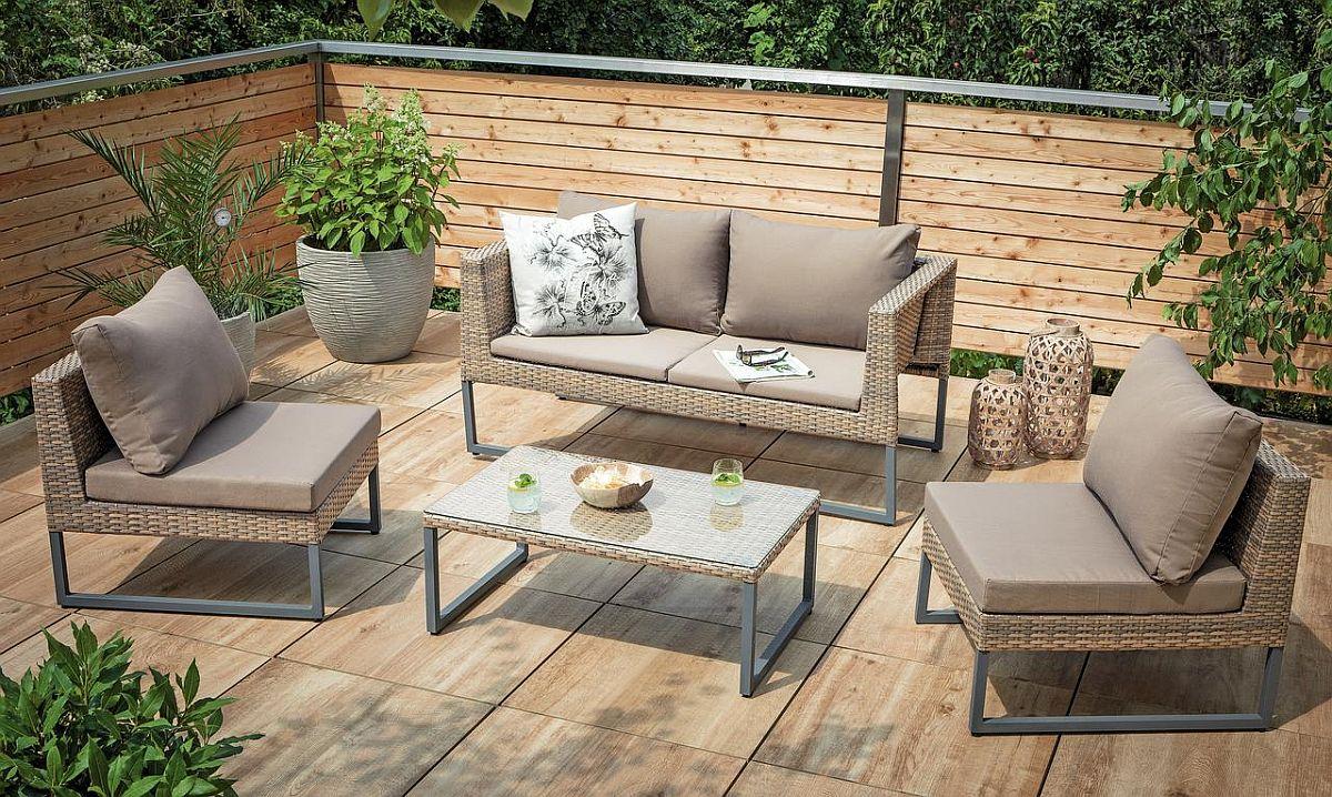 Set de mobilă pentru terasă Diamond. Include patru piese.