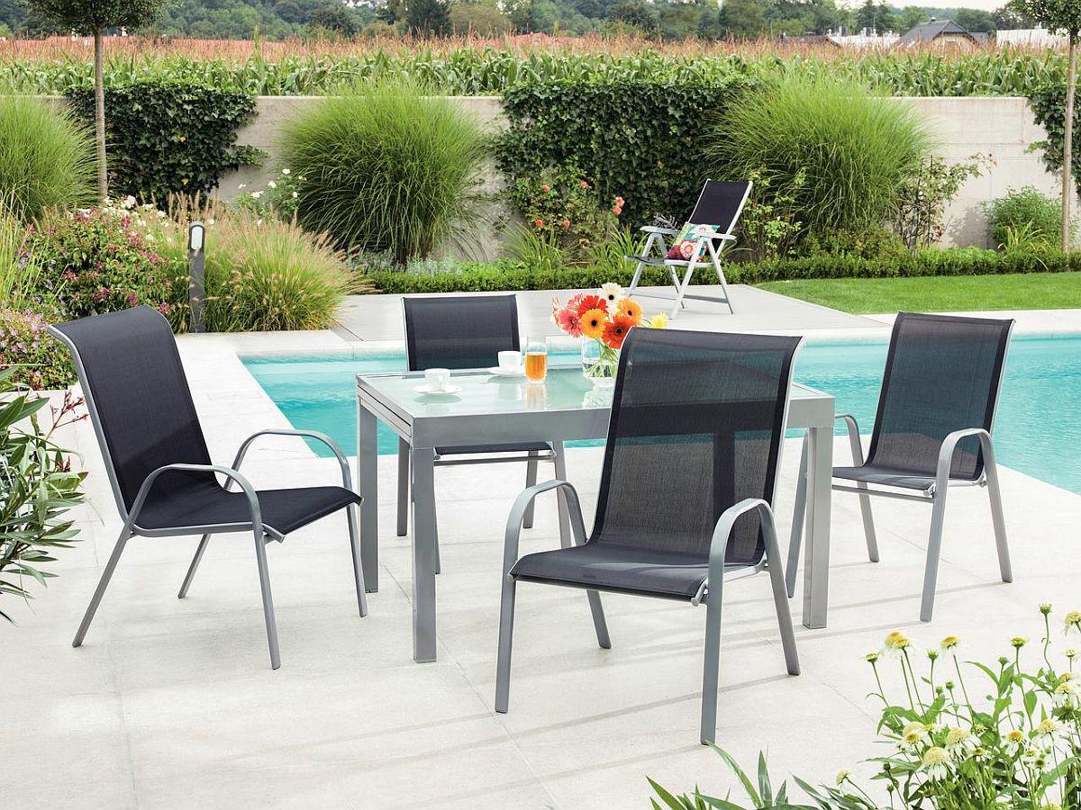 Set masă extensibilă și fotolii exterior din oțel și aluminiu Trixi. Vezi detalii, dimensiuni, materiale, preț AICI.