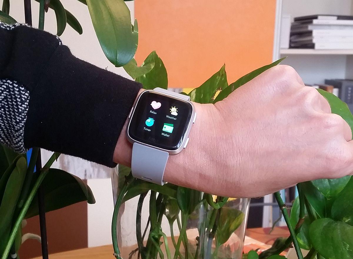 Cu un gadget nou ai mai mult decât informații, ai posibilitatea de-a folosi un smartwatch pe post de card.