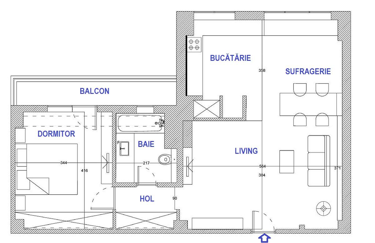 Planul apartamentului a fost păstrat cu o mică excepție la bucătărie. Inițial, între bucătărie și actuala sufragerie, exista un bar construit din BCA, iar peretele de delimitare către living nu exista. Ei bine, doar pentru că barul din BCA a fost cuprins în contractul de vânzare-cumpărare, a trebuit să se obțină autorizație de construire pentru demolarea lui. Acest lucru a întîrziat extrem de mult renovarea apartamentului, pe lîngă programul strict impus de către Asociația de Proprietari. Sunt lucruri care trebuie luate în calcul atunci când vă doriți o reamenajare completă.