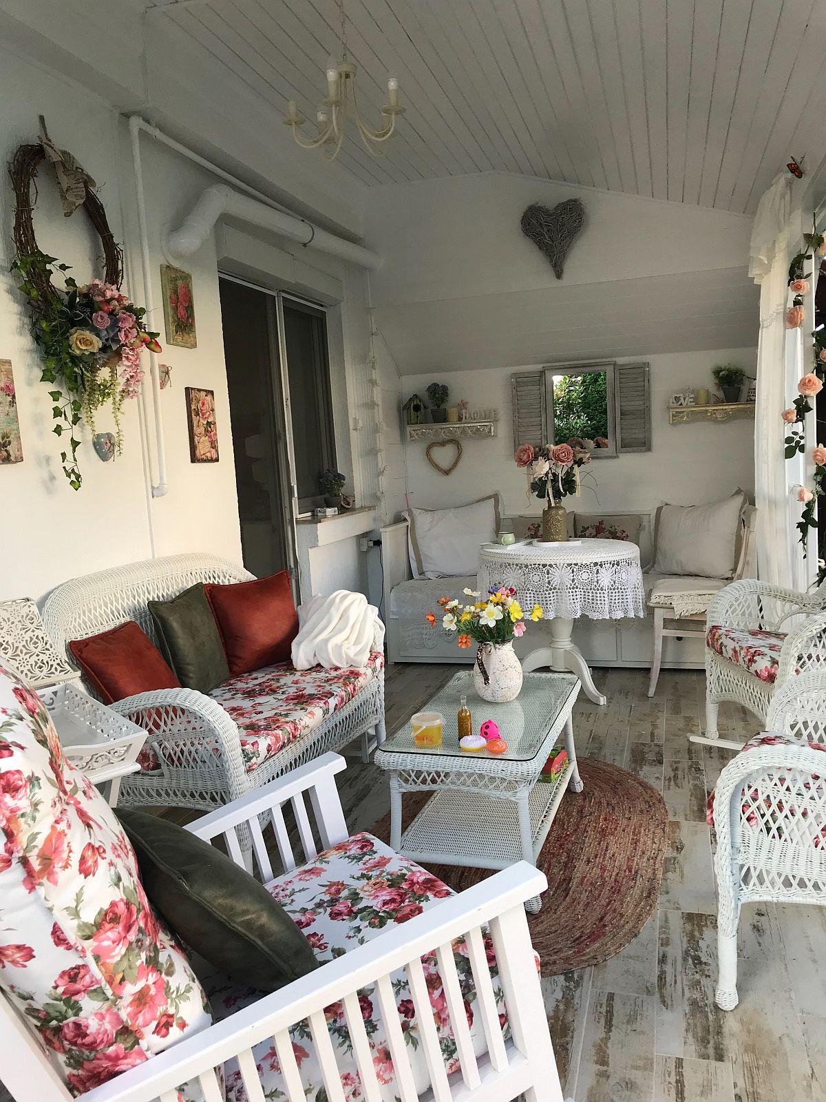 adelaparvu.com despre terasa si gradina in stil shabby chic, Constanta (7)