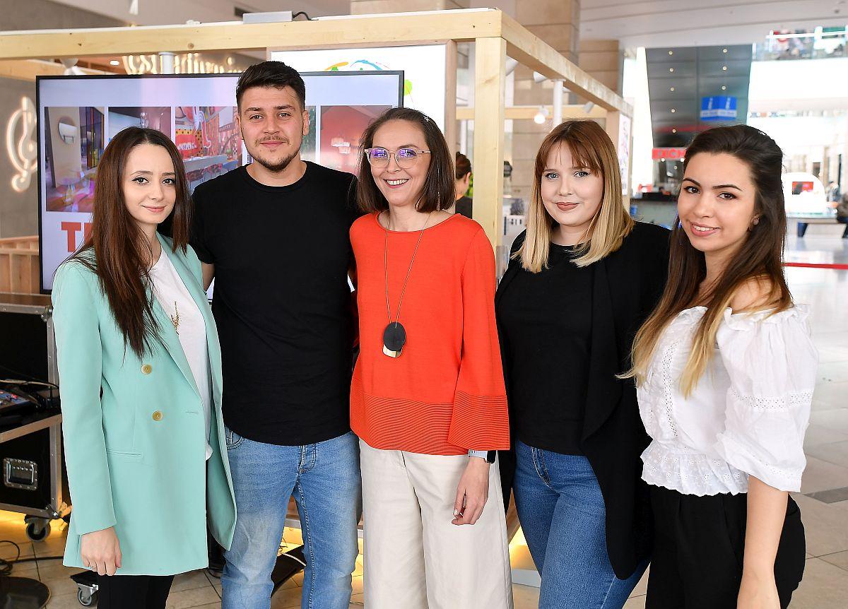 Alături de colegii mei dragi. De la stânga la dreapta: arh. Andreea Beșliu, arh. Paul Domșa, arh. Georgiana Anița, arh. Laura Pietrușel.