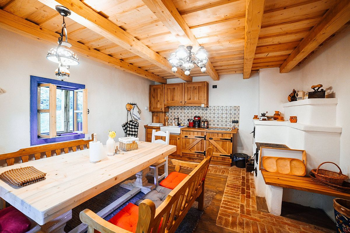 adelaparvu.com despre casa traditionala Maramures, Romania, pensiunea Casa lu Ion, Foto Dragos Asaftei (1)