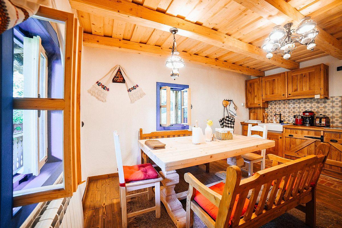 adelaparvu.com despre casa traditionala Maramures, Romania, pensiunea Casa lu Ion, Foto Dragos Asaftei (2)