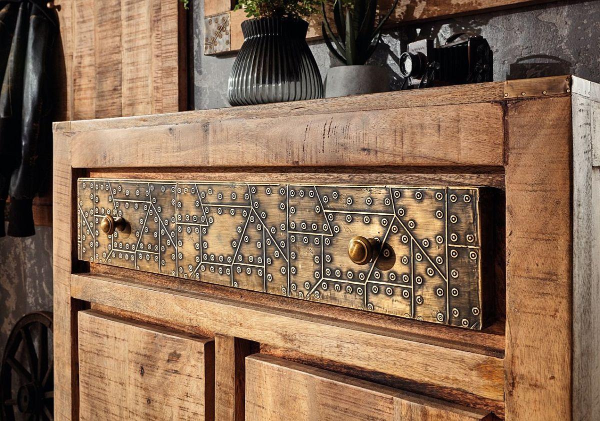 Detaliu decorativ de la o piesă din gama de mic mobilier Curl.