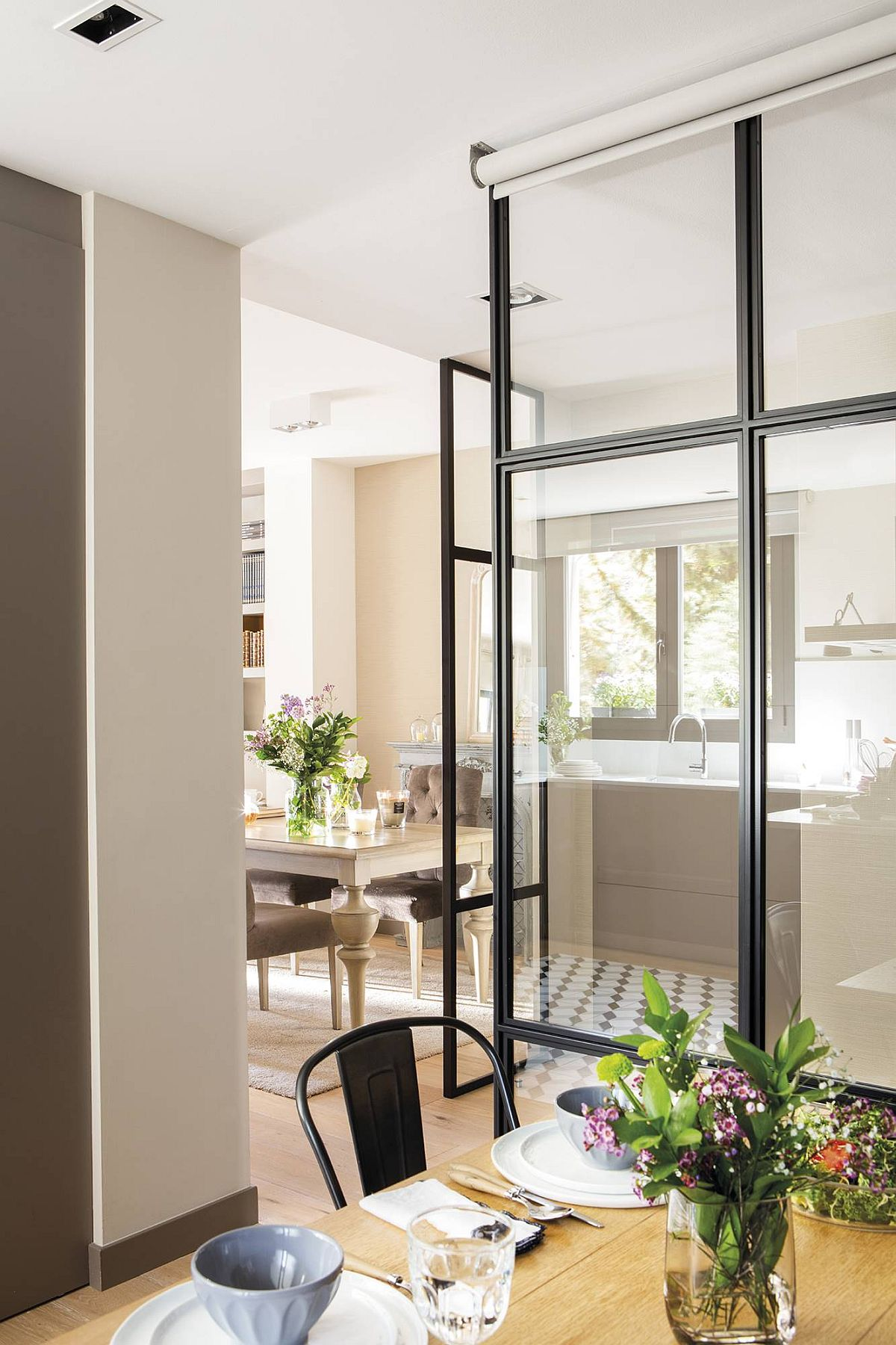 adelaparvu.com despre apartament amenajat in tonuri de bej, design Chari Manzano si Marta Herrera, Foto Pepa Oromi (2)