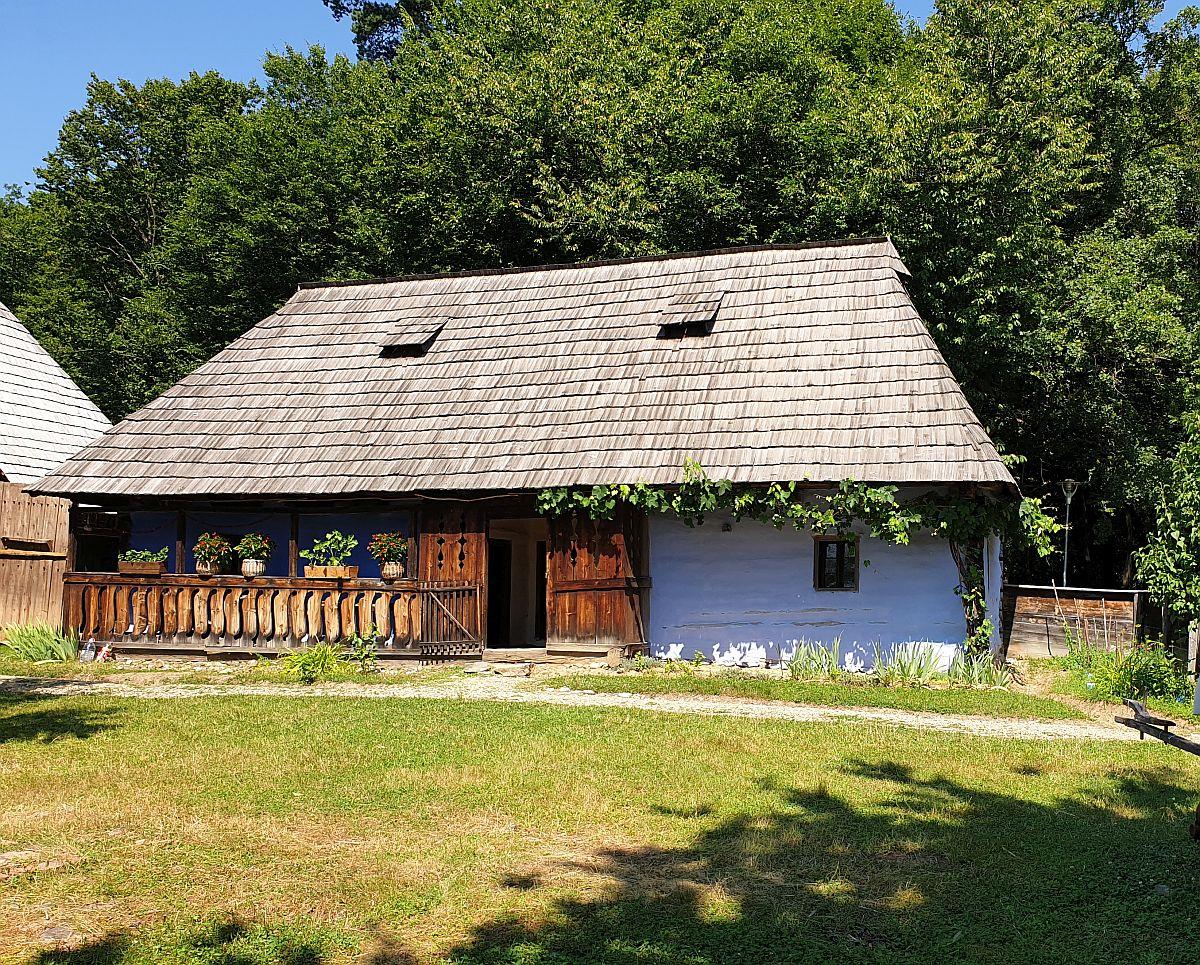 Casă ungurească din județul Covasna expusă la Muzeul Astra Sibiu.
