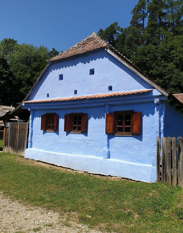 Gospodărie din Lisa, Brașov a unei familii care prelucra cânepa.
