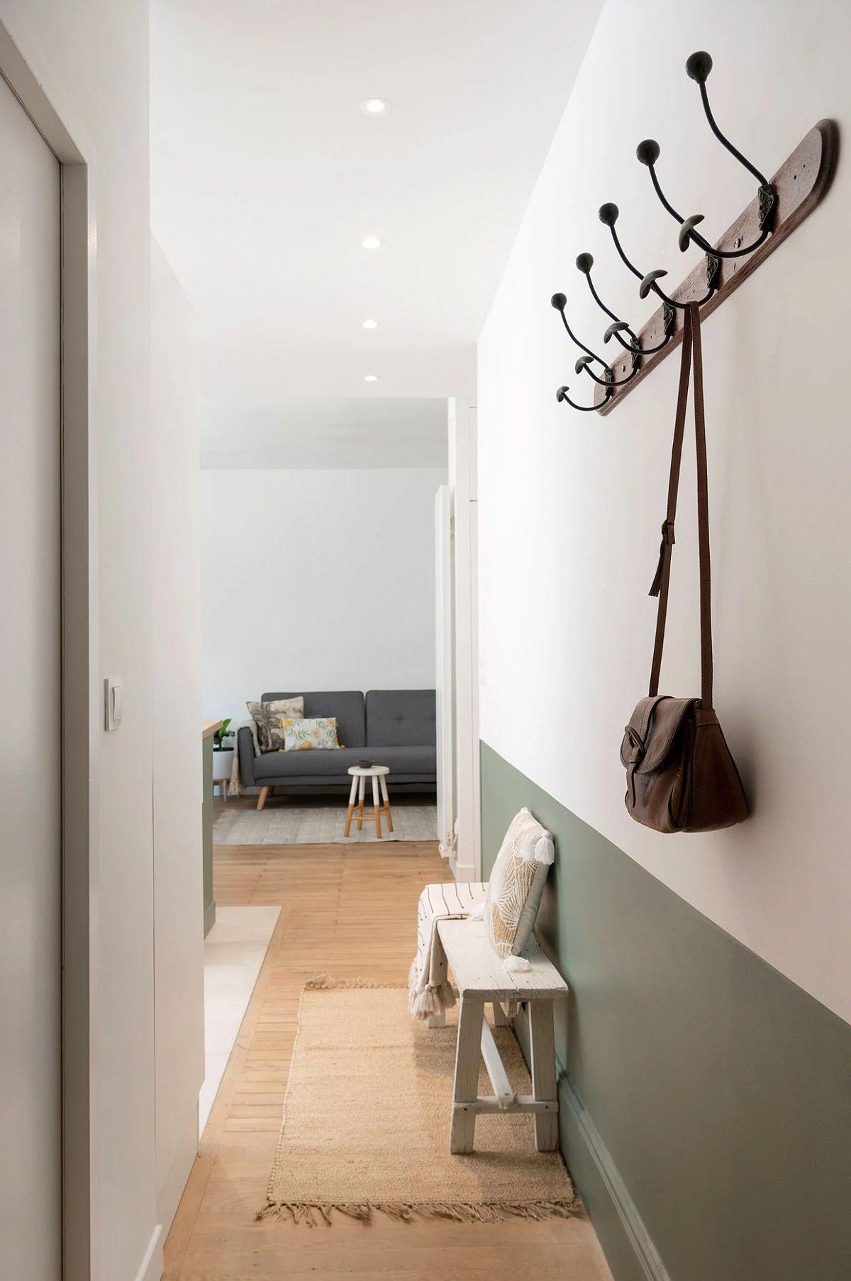 adelaparvu.com despre renovare apartament 52 mp, designer Anouck Charbonnier, Foto Sabine Serrad (1)