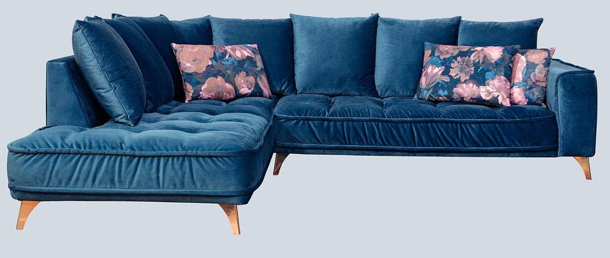 """Canapea """"Belavio"""". Preț nou: 4.549,-Ron. Preț vechi: 6.499,- Ron. Reducere: 30%. Tapițerie tip catifea. Include perne spătar și 3 pernuțe decorative."""