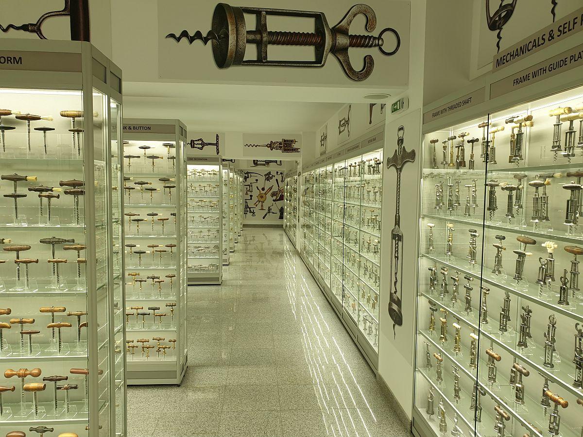 adelaparvu.com despre Muzeul Recordurilor, Museum of Romanian Records, Foto Adela Parvu (16)