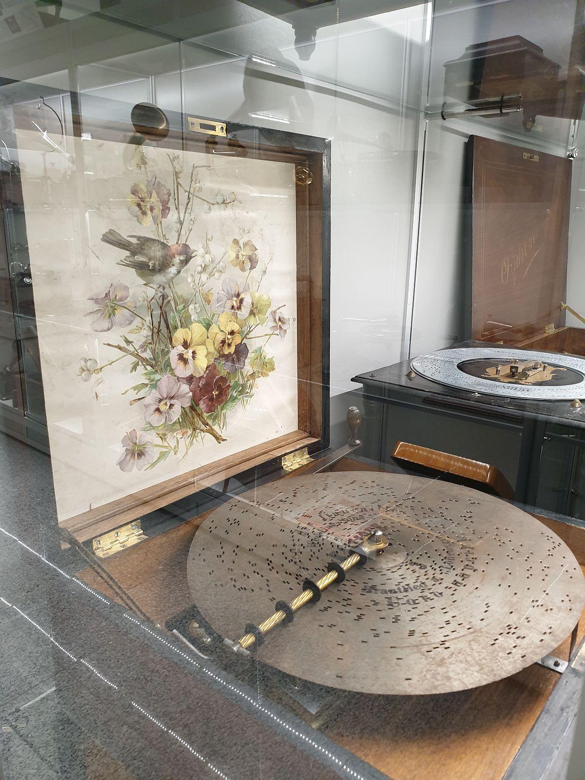 adelaparvu.com despre Muzeul Recordurilor, Museum of Romanian Records, Foto Adela Parvu (28)