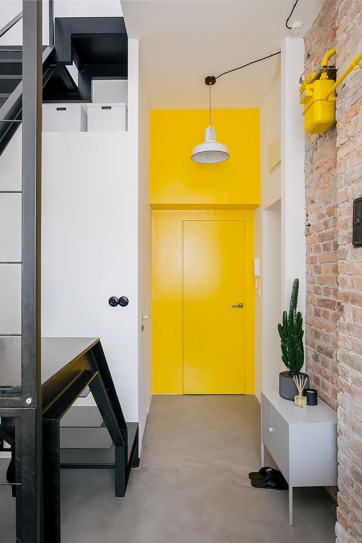 adelaparvu.com despre apartament mic in pod, design Joanna Piorko, Foto Kroniki Studio (4)