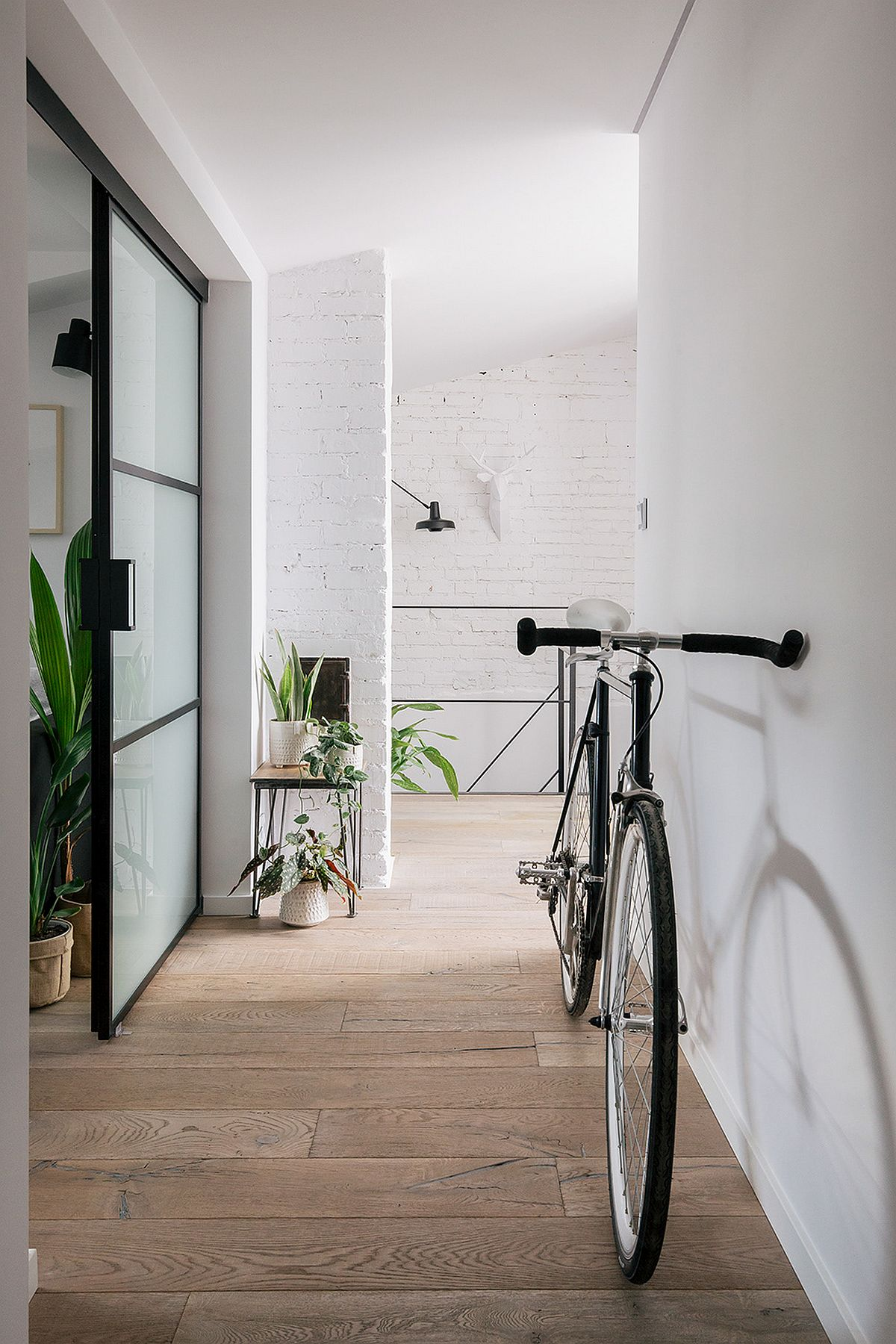 adelaparvu.com despre apartament mic in pod, design Joanna Piorko, Foto Kroniki Studio (5)