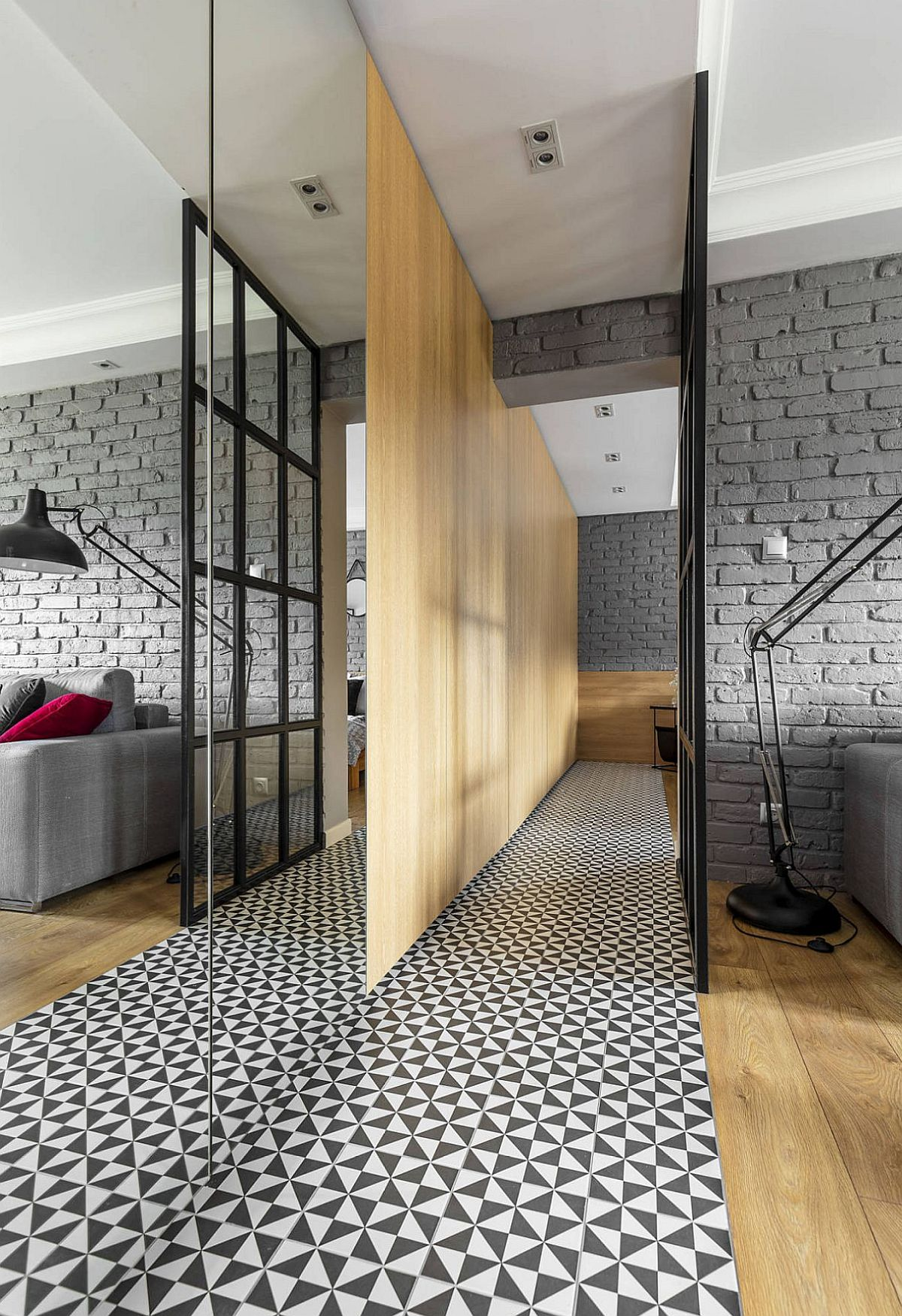 adelaparvu.com despre apartament 56 mp cu accente de rosu, design SAS Wnetrza i Kuchnie, Foto Strazynski Studio (12)